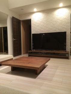 【Web内覧カン】 i-smart×マスターウォール 〜ん⁇広くなってないか⁇〜 | なるとと嫁ちゃんで作るi-smart Living Room Tv, Living Spaces, Home Cinema Room, Japanese Interior Design, Home Cinemas, Modern Table, I Smart, House, Furniture