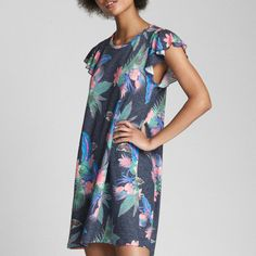 Veepee Short Sleeve Dresses, Dresses With Sleeves, Nike, Gap, Cold Shoulder Dress, Shopping, Fashion, Fashion Ideas, Moda
