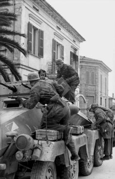 Kfz 231 from Pz. Narvik, Mg 34, German Soldiers Ww2, German Army, Paratrooper, Luftwaffe, Military History, Military Photos, Afrika Korps