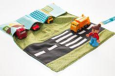 tapis-sac jeu de petites voitures pour enfant