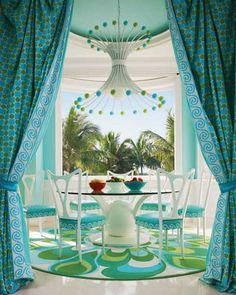 Turquoise mod dining room // bold decor // // This colorful Captiva Island, Florida home was designed by interior design firm Diamond Baratta and featured in Florida Design magazine. Home Interior, Interior Design, Do It Yourself Design, Home By, Home Decoracion, House Of Turquoise, Turquoise Cottage, Bleu Turquoise, Florida Design