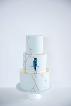 Wedding Cake / Hochzeitstorte / Kolibri / Paint / Gold / modern Pastel Cakes, Anastasia, Wedding Cakes, Party, Modern, Desserts, Gold, Cake Ideas, Biscuits