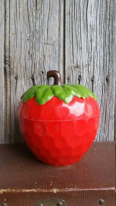 Retro 1960s or 1970s Strawberry Ice Bucket by VintageVinnieFrance