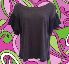 • blue-grey wide neck t-shirt • with flouncy sleeves • 100% cotton shirt with polyester sleeves • size S • shoulder: 16 • bust: 34 • length: 19 1/2 • sleeve: 7   an insanely soft t-shirt dressed up by those awesome sleeves!   ❉ ❉ ❉  check out www.instgram.com/vintish.nyc for perfect post-90s items, as well!  ❉ ❉ ❉  as with all vintage items, expect some wear. i inspect everything to make sure its just as described, but im happy to send additional information & photos if needed! ...