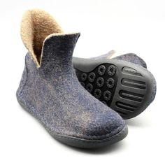 ASB10W Women boots These flat shoes are felted from 100% merino reddish yellowish wool inside and black wool out side, laces make the boots exquisite and elegant. Perfect as outdoor wear, you can wear them everyday anytime like socks. Hand sewn soft blue rubber sole is combined with high