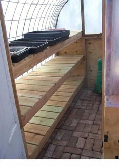 Get inspired ideas for your greenhouse. Build a cold-frame greenhouse. A cold-frame greenhouse is small but effective. Greenhouse Shelves, Greenhouse Interiors, Backyard Greenhouse, Greenhouse Growing, Small Greenhouse, Greenhouse Plans, Homemade Greenhouse, Greenhouse Wedding, Portable Greenhouse