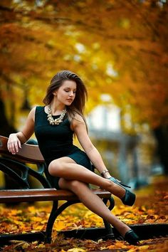 Ukrainian women are the most beautiful women in the world. You dream about one? Your girlfriend is Ukrainian? Read how to build a happy family with her! How to win a heart of Ukrainian girl? How to choose your sexy Ukraine Looking for your Ukraine girl? Lovely Legs, Great Legs, Autumn Photography, Portrait Photography, Sexy Photography, Fashion Photography, Glamour, Female Poses, Sexy Legs