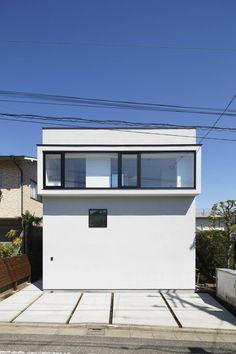 Higashitamagawa House is a minimalist residence located in Tokyo, Japan, designed by Mukaiyama Architects