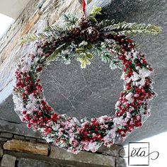 Instagram Accounts, Christmas Wreaths, Floral Wreath, Holiday Decor, Home Decor, Christmas Swags, Homemade Home Decor, Flower Crowns, Holiday Burlap Wreath