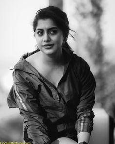Saree Photoshoot, Malayalam Actress, Contemporary Fashion, Indian Ethnic, Hd Images, Jon Snow, Actresses, Fictional Characters, Beauty