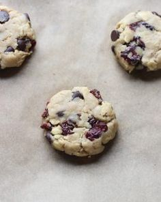 Chewy Oatmeal Chocolate Cherry Cookies | The Cooking Insider