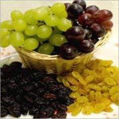 Toxic Foods for Dogs - Fruits, Vegetables and Nuts DogHeirs Toxic Foods For Dogs, Foods Bad For Dogs, Fruits For Dogs, Healthy Pets, Healthy Snacks, Diy Dog Treats, Tasty, Yummy Food