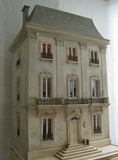 Une Petite Folie: Petite Maison - most beautiful doll house I have ever seen! Took this woman 5 years to create!!!