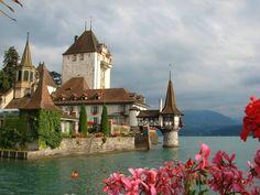 http://www.travelalltogether.com/wp-content/uploads/2014/09/Switzerland-Oberhofen-Castle.jpg