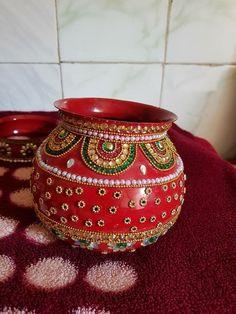 Kalash Decoration, Thali Decoration Ideas, Diy Diwali Decorations, Festival Decorations, Diy Wedding Decorations, Pottery Painting Designs, Pottery Designs, Pottery Art, Diwali Craft