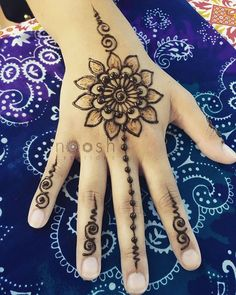 Explore latest Mehndi Designs images in 2019 on Happy Shappy. Mehendi design is also known as the heena design or henna patterns worldwide. We are here with the best mehndi designs images from worldwide. Henna Designs For Kids, Stylish Mehndi Designs, Mehndi Art Designs, Beautiful Henna Designs, Latest Mehndi Designs, Henna Tattoo Designs, Kids Mehndi Design, Mehndi Simple, Unique Henna