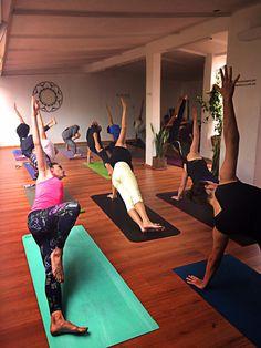 ¡Ya tenemos clases de Yoga en nuestra nueva sucursal! Plaza Villa de Madrid #9, col. Roma Norte, CDMX, 2017 + info en: https://www.lacuevadelyogui.com.mx/nuestras-clases/