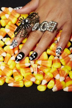 Check out these seriously spooktacular nail art designs — plus, how to recreate them just in time for Halloween! Halloween Acrylic Nails, Halloween Nail Designs, Halloween Ideas, Spooky Halloween, Halloween Costumes, Trendy Halloween, Happy Halloween, Nail Designs Pictures, Nail Art Designs