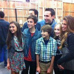 """I see this pic and it makes my heart hurt that Teo got cut. Every time I see a Girl Meets World commercial I yell """"Coulda been Teo!"""" <-- pinning for this comment because it accurately sums up my life right now. Meet Girls, I Love Girls, Earth To Echo, Girl Meets World Cast, Cory Matthews, Mother Son Photos, Cory And Topanga, Ben Savage, Danielle Fishel"""
