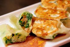 foodopia:    shrimp gyoza: japanese dumplings