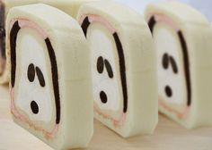 Snoopy roll cake