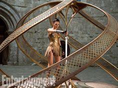 'Wonder Woman': Gal Gadot steals 'god killer' sword in exclusive newphoto