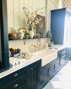 Gold Bathroom Decor Dreamy Kitchen from this weekend at Gleneagles Hotel Kitchen Cabinetry, Kitchen Dining, Kitchen Decor, Kitchen Ideas, Soapstone Kitchen, Kitchen Countertops, Victorian Kitchen, Country Kitchen, Kitchen Interior