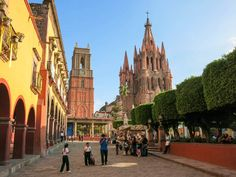 The pretty in pink Parroquia de San Miguel Arcángel dominates San Miguel's main square Clifton Wilkinson/Lonely Planet