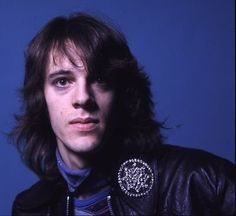 An unbelievably talented young drummer around 1976, joining Curved Air. ;-)