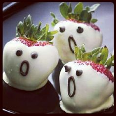 cute & easy party food! little strawberry ghosties, both adult & kiddies will love :)
