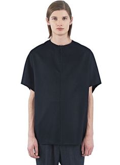 Latest men's t-shirts Thamanyah Petal Loden Light Tunic in black. Shirt Outfit, T Shirt, Designer Clothes For Men, Chef Jackets, Shop Now, Men Casual, Menswear, Tunic Tops, Street Style