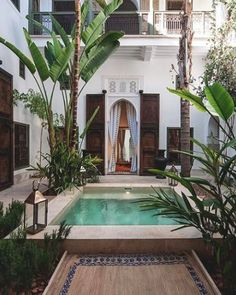 Moroccan and bohemian exterior of garden/patio, // Ethnic Chic Oase Pool Leben im Freien Riad Jaaneman - Marrakech, Morocco Refined,. Design Exterior, Interior And Exterior, Outdoor Spaces, Outdoor Living, Outdoor Pool, Outdoor Decor, Casa Patio, Pool Designs, Interior Architecture