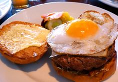 Egg Cheese Burger - Egg Cheese Burger is simple and easy to prepare yet tasty.