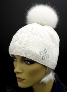 Sněhobílá čepice s bílou kožešinovou bambulí R JET FOR YOU #kuzedeluxe #white #bila #cepice Winter Hats, Beanie, Fashion, Moda, Fashion Styles, Beanies, Fashion Illustrations, Beret