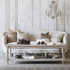 Eloquence® Grande Le Courte Coffee Table, in a larger size, with a white marble…