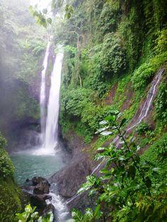 Aling-Aling Waterfall : Sambangan, Buleleng. North Bali Indonesia