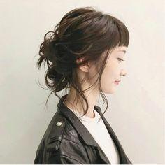 ミディアムさん必見♡「レイヤーONでウルフへアに」挑戦してみない?|【HAIR】 Hair Inspo, Hair Inspiration, Girl Hairstyles, Braided Hairstyles, Natural Hair Styles, Short Hair Styles, Hair Arrange, Asian Hair, Hair Affair