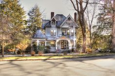 1899 Wright Inn & Carriage House in Asheville, NC. Wonderful bed and breakfast !