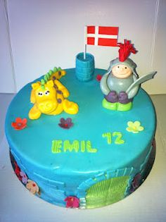 Dragon and knight cake