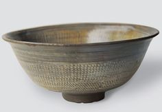 Punchong Bowl with Stamped Floral Decoration | Joseon Dynasty | Seok Juseon Memorial Museum, Dankook University