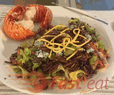 Você com certeza vai se apaixonar por esta receita, que é muito parecida com a minha favorita (Blue Cheese Pecan Chopped Salad) do Outback Steakhouse nos Estados Unidos, ela tem uma mistura maravilhosa de sabores (alface misturado com cenouras raladas, repolho roxo, cebolinha, pecans caramelizadas, misturados com molho e pedaços de queijo Rochefort ou Gorgonzola). http://fast2eat.com.br/blue-cheese-salad/ #Fast2eat