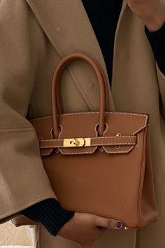 Hermes Birkin 30 Gold on Gold. Sac Birkin Hermes, Hermes Kelly Bag, Hermes Bags, Hermes Handbags, Hermes Constance, Brown Bags, Cloth Bags, Luxury Bags, Fashion Bags