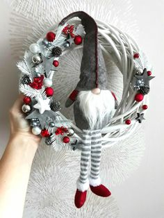 Christmas Deco, Christmas Wreaths, Diy Wreath, Xmas Decorations, Christmas Inspiration, Tis The Season, Diy And Crafts, Bows, Holiday Decor
