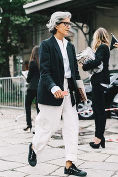 Wo/Menswear: Male Inspiration - Blue is in Fashion this Year Mature Fashion, Older Women Fashion, Fashion Over 50, Womens Fashion, Mode Chic, Mode Style, Style Me, Stylish Older Women, Advanced Style