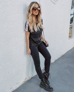 . Black Pants, Leather Pants, Fashion, Black Trousers, Moda, La Mode, Lederhosen, Fasion, Leather Leggings