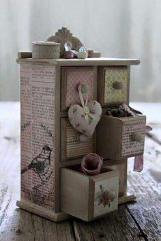 New ideas jewerly box decoupage etsy Decoration Shabby, Shabby Chic Decor, Craft Projects, Projects To Try, Diy And Crafts, Paper Crafts, Decoupage Box, Idee Diy, Pretty Box