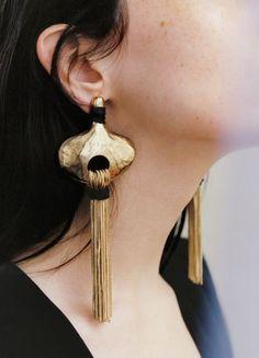 Aretes de moda http://beautyandfashionideas.com/aretes-de-moda/ #Accessories #accessories2017 #aretesdemoda #earrings #earrings2017 #Fashion #fashionaccessories #fashionearrings #Trends