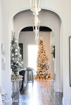 Ideas for Christmas decor for the entryway.