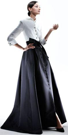 Lyst - Carolina Herrera Shirtwaist Taffeta Ball Gown in Black Estilo Fashion, Look Fashion, High Fashion, Womens Fashion, Fashion Design, Fashion Beauty, Beautiful Gowns, Beautiful Outfits, Dress Couture