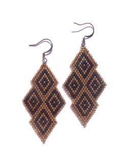 Boucles d'oreilles losange brick stitch